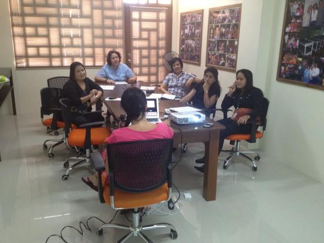Cooperación en Kalipay. Essential Institute realizó formación al equipo que trabaja con niños maltratados-abandonados y con el equipo directivo de Kalipay.