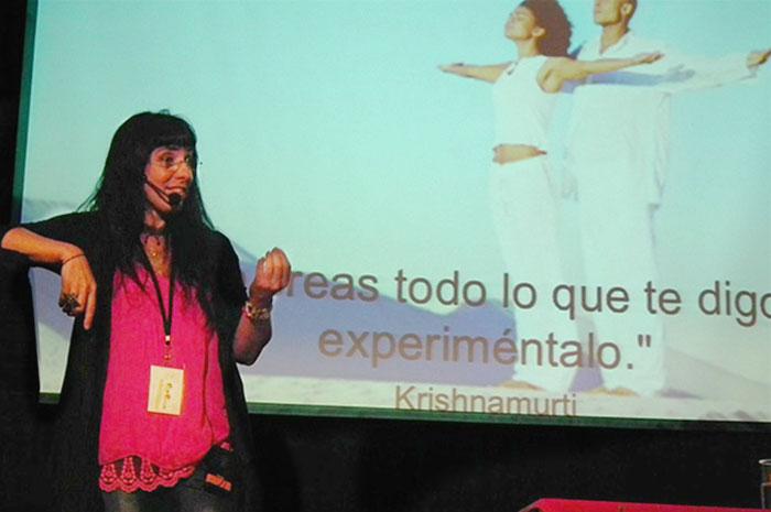 Cris Bolívar ponente principal el Congreso organizado por Talentum 360 en Costa Rica. 2012.