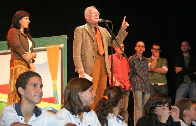 Presentación del proyecto Postdata, teatro para la lucha contra el bulling escolar.