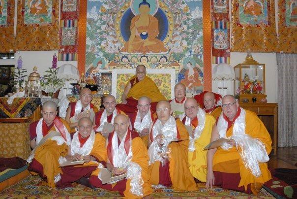Ricard Rotllan, ordenacion completa por el Su Santidad el Dalai Lama